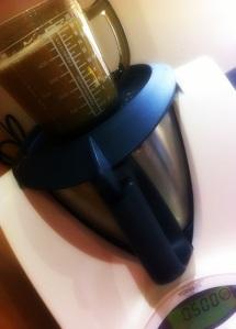 makes 500g nut milk-001
